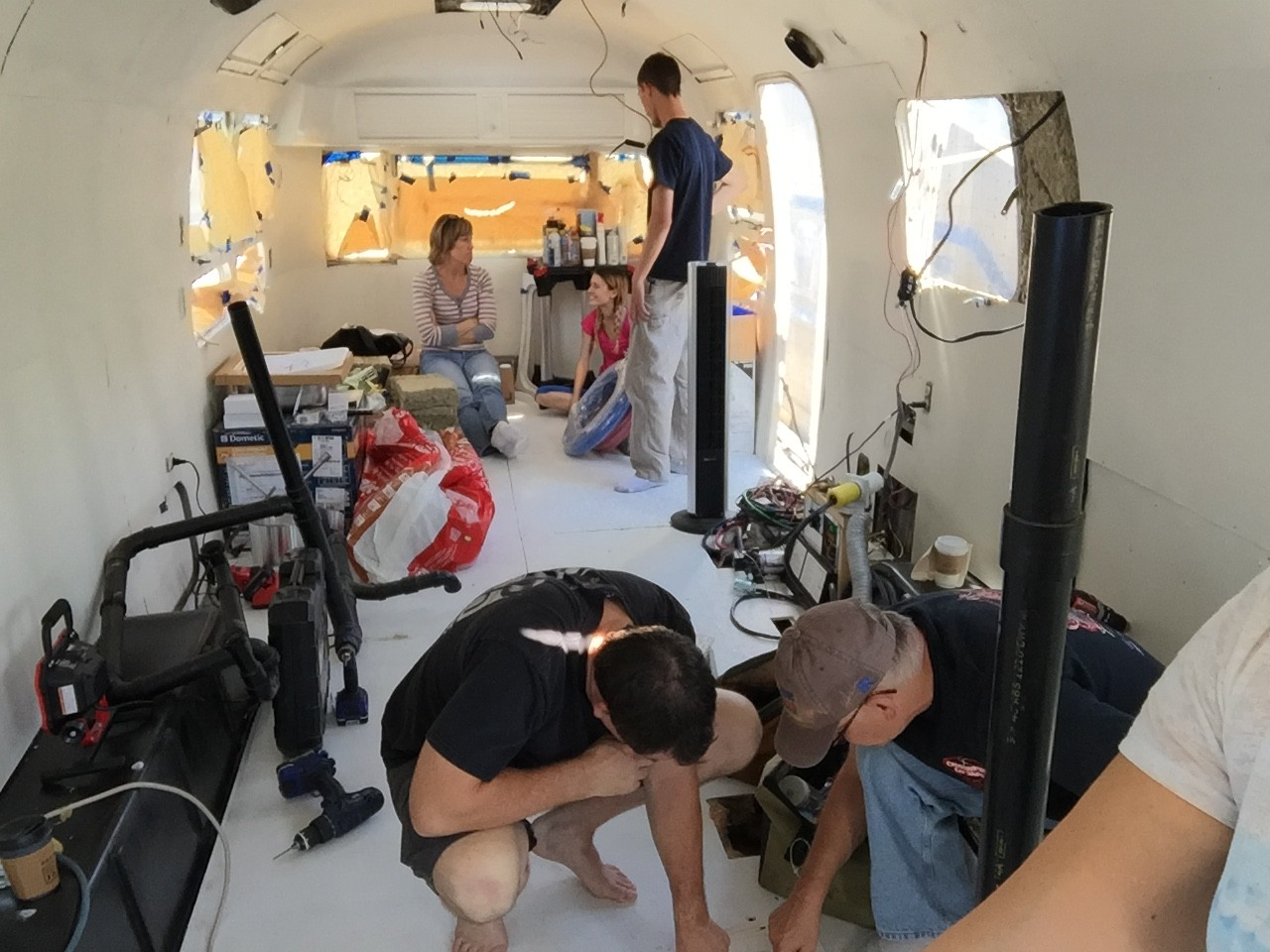 1976 Vintage Airstream Renovation : Week 6