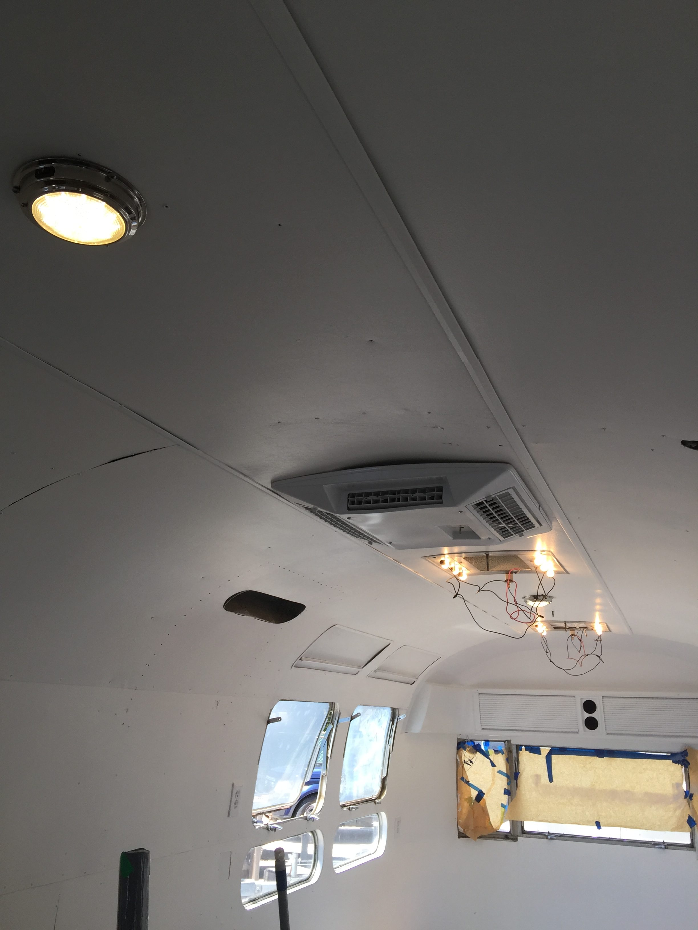 1976 Vintage Airstream Renovation : Week 9