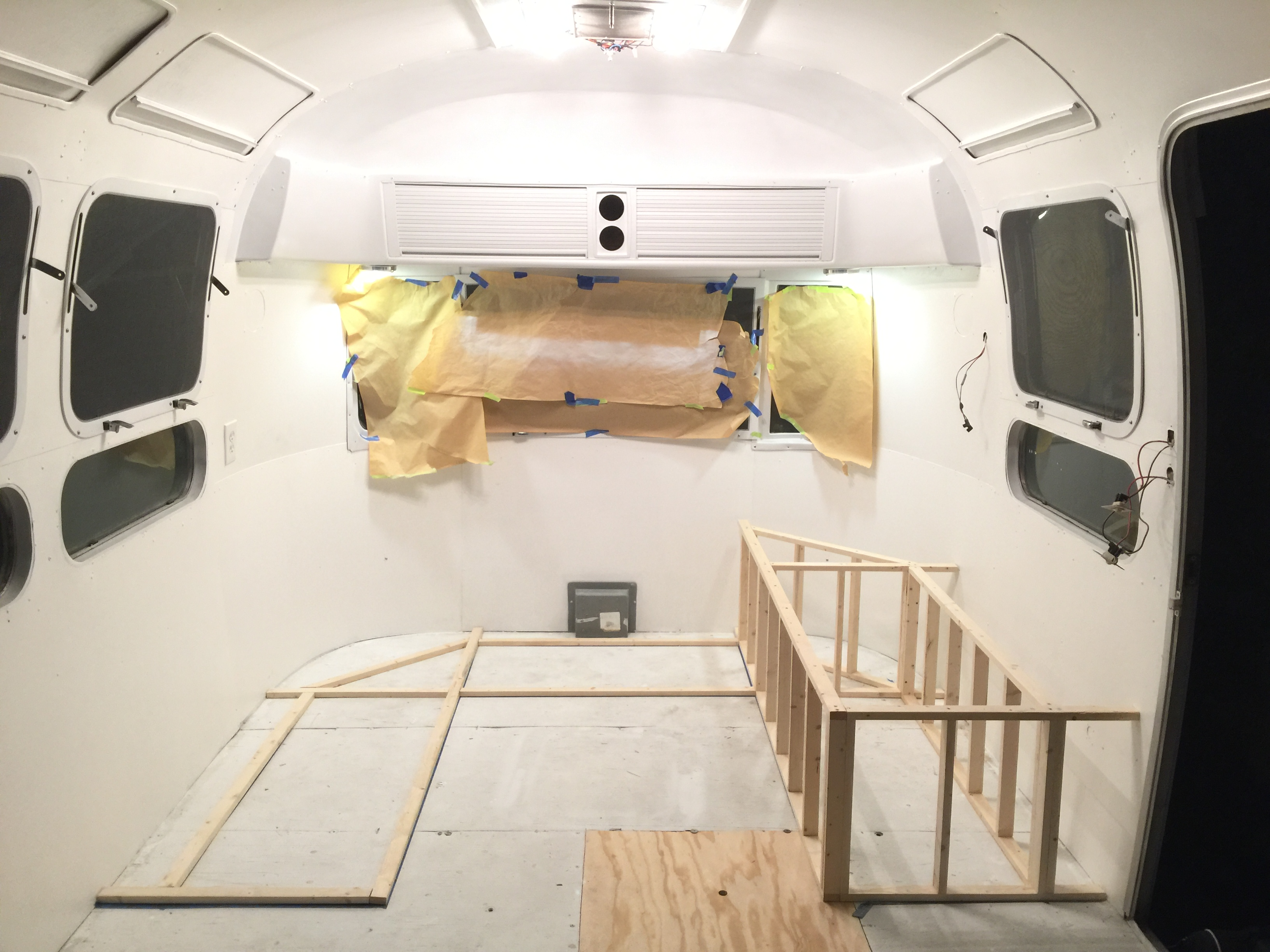 1976 Vintage Airstream Renovation : Week 11